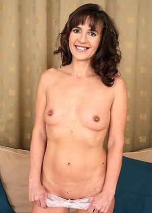 Mature Tits Porn Photos