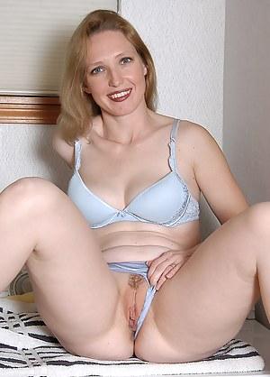 Mom Porn Photos
