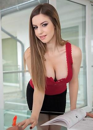 Secretary Porn Photos
