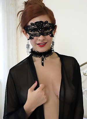 Blindfold Porn Photos