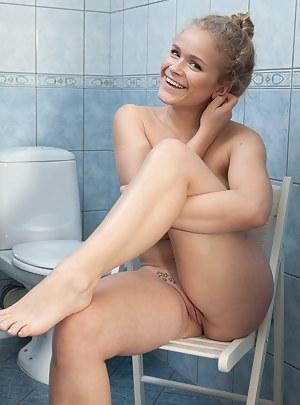 Toilet Porn Photos