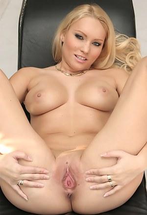 Pussy Porn Photos